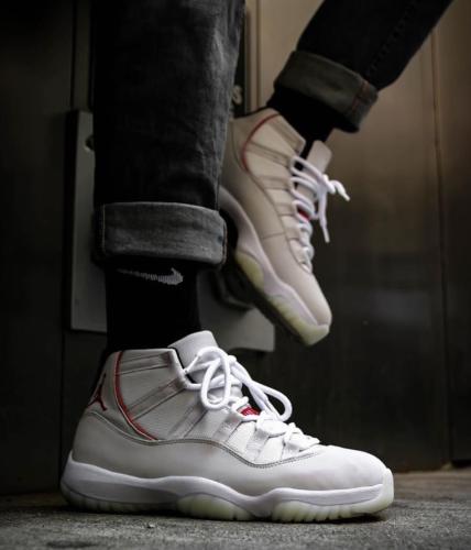 【Clearance】 Air Jordan 11 Platinum Tint (US7.5)