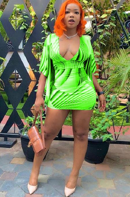 Green Plunging Neck Drop Short Sleeve Mini Dress MR2022
