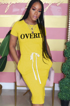 Yellow Casual Letter Short Sleeve Round Neck Waist Tie Long Dress MA6525