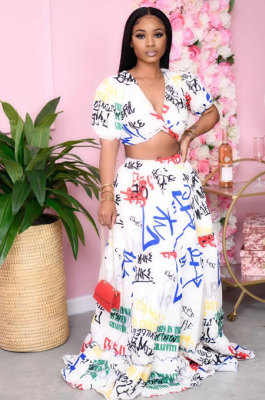 Polyester Letter Short Sleeve Deep V Neck Crop Top Mid Waist Flared Skirt KZ159