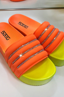 Colorful Newmond Thick-Soled A Word Cool Slippers STK1