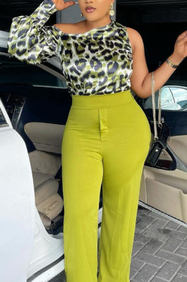 Green Casual Odlique Shoulder One Sleeve Leopard Print Blouse PU6091-2