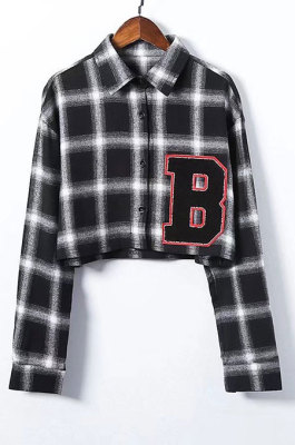 Black Plaid Letters Contrast Color Plaid Coat Lady Loose Long Sleeve Sunscreen Shirt LNF17-2