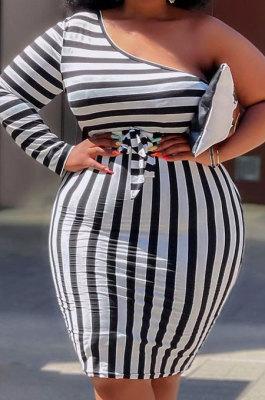 Black White Big Yards Stripe Print One Shoulder Slim Fitting Dress QSS51042-2