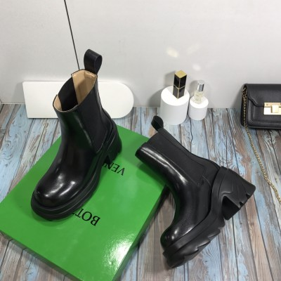 Women's Leather Chelsea Boots in Black