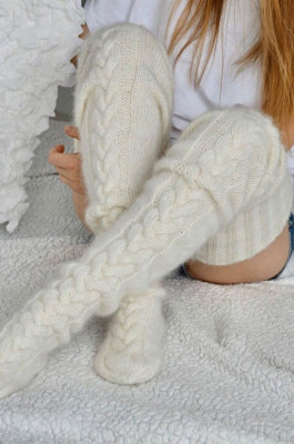 White Knitted Thigh Hihg Socks in WLW01-4