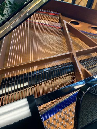Kawai GE-1 5'1 Baby Grand Piano in Polished Ebony