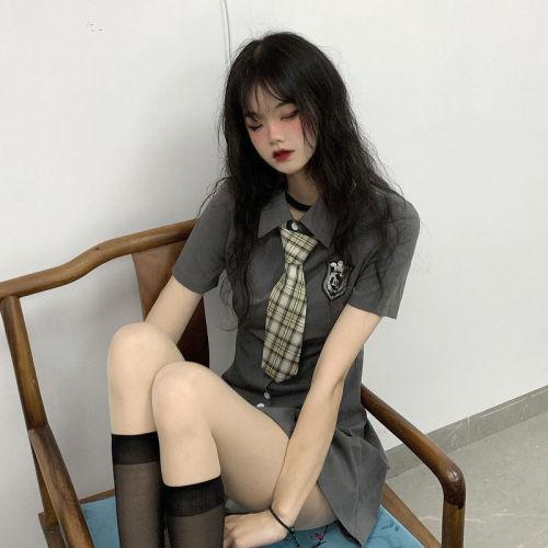 【Aeqpw's自訂】灰色學院風連衣裙女夏季2021新款收腰顯瘦小個子襯衫裙辣妹短裙子