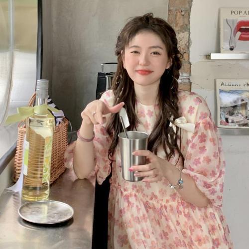 【Aeqpw's自訂】碎花泡泡袖連衣裙女2021新款法式初戀設計感小個子甜美寬鬆長裙子