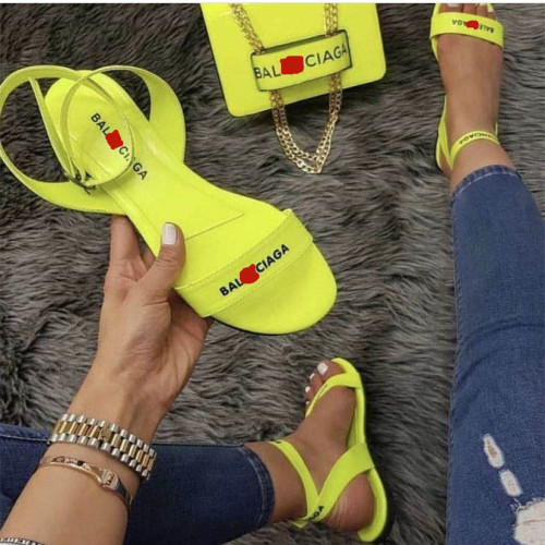 Summer women\'s sandals fashion slippers new flat shoes LYH613924602053