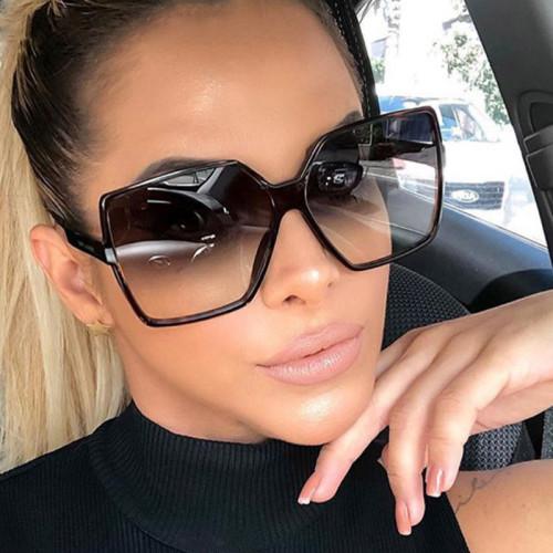 Large square frame sunglasses KD5226