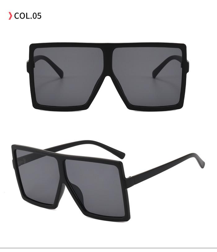 oversize square sunglasses Matte Black