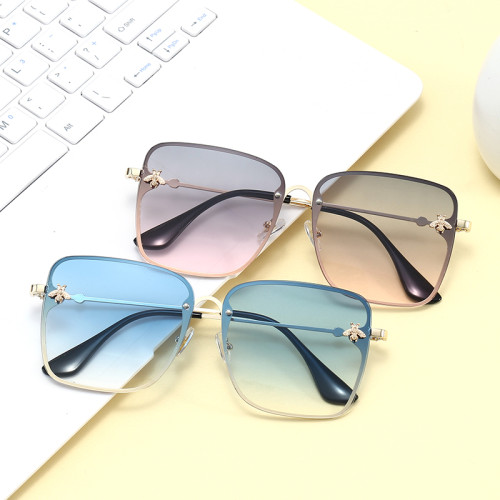 Women Shades Oversized Female Sun glasses UV400 Luxury Square Bee Sunglasses