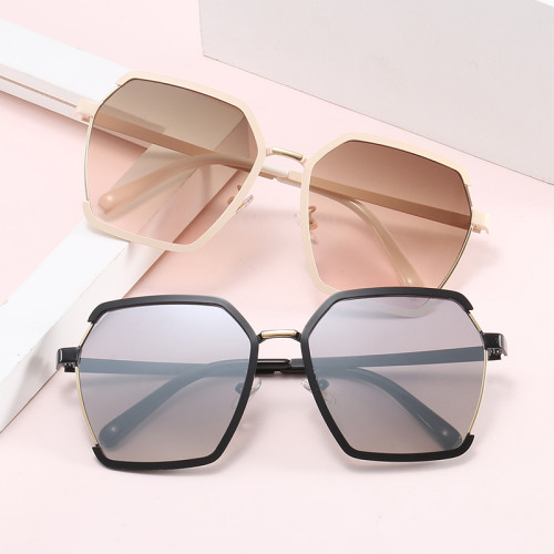 Oversized Designer UV400 Gradient Shades Sunglasses