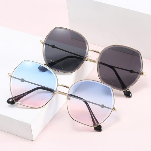 Diamond Cut Lenses UV400 Tinted Gradient Women Shades Sunglasses