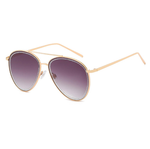 Fashionable Women Brown Gradient Shades Sunglasses