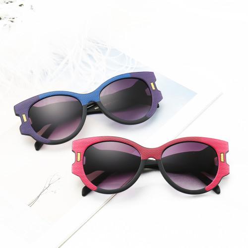 PC Frame Special Design Temple Fashion Women Sunglasses