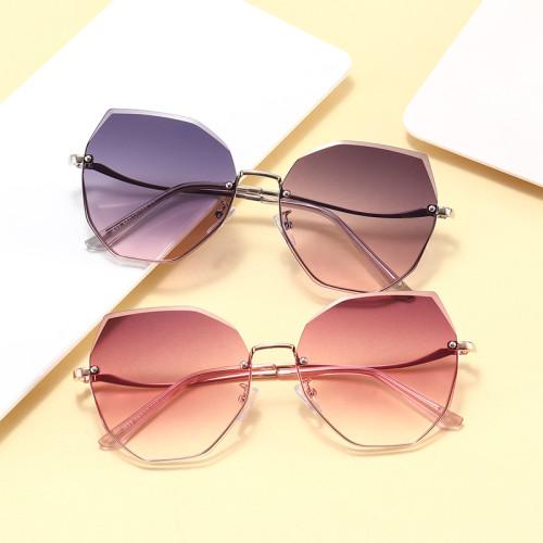 Fashion 2021 UV400 Gradient Women Shades Sunglasses