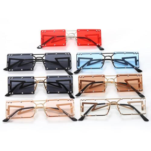 Metal Rivets Sunglasses