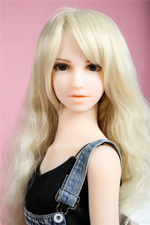 132cm【Lucy】微乳Irontech Doll 幼いラブドール