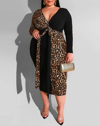 Tight-fitting Plus Size Women's Dress with Belt