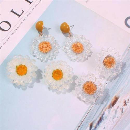 Women's Sweet Transparent Flower Earrings