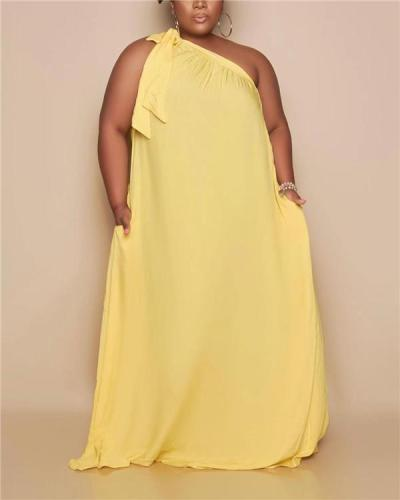 Loose slanted shoulder strap sexy off-the-shoulder plus size dress