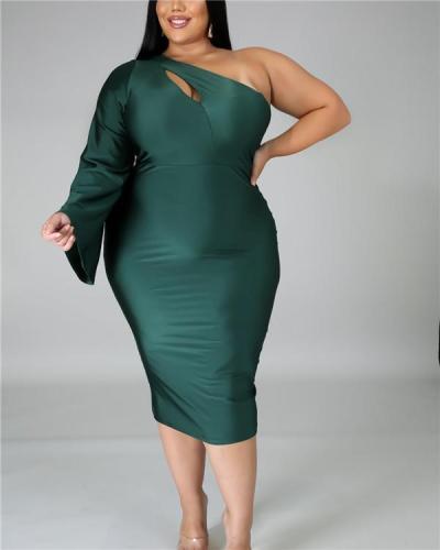 Plus size women's one-shoulder sleeve sexy dress