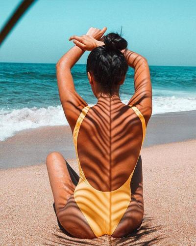 Solid Color Front Zipper One Piece Women's Swimsuit