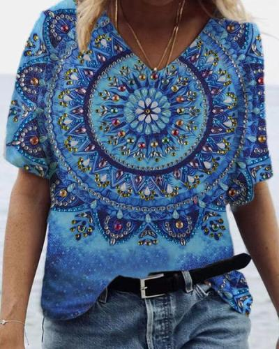 Retro Pattern Printed V-neck Casual Graphic Tees