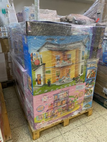 Amazon Toys & Games Pallets