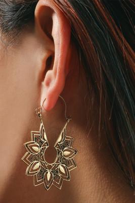 Golden Casual Flower Earrings