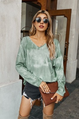 Green V-neck Tie-dye Long-sleeved Sweater