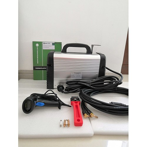 Electrofusion welding machine for polyethylene pipes