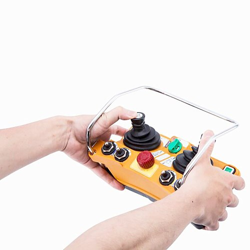 Wireless Industrial Remote Controller Twin Stick Electric Hoist Remote Control Transmitter With F24-60 Receiver Distance 100M