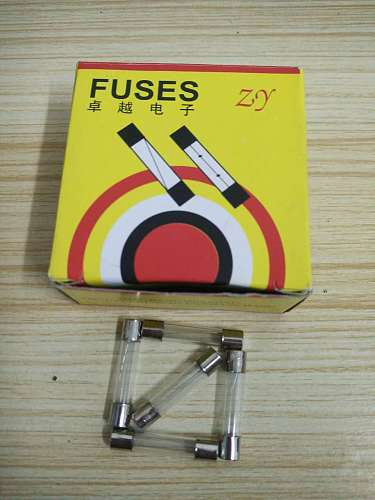 100pcs 6*30mm 5A 250V Fast blow Glass fuse 6*30 5A 250V New and original Free shipping