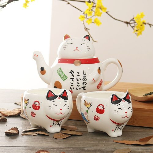Cute Japanese Lucky Cat Porcelain Tea Set Creative Maneki Neko Ceramic Tea Cup Kettle with Strainer Office Teapot Water Mug