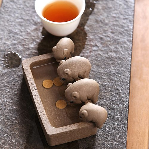Purple Clay Tea Pet, Four Little Pigs Drinking Water Tea Pet with 3 Copper Coins Kung Fu Tea Tray Decorative Ornaments