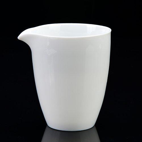 Ceramic Handmade Tea Sea Male Cup Chinese Teaset Fair Cup Hand Grasping Antique Tea Separator Tea Accessories