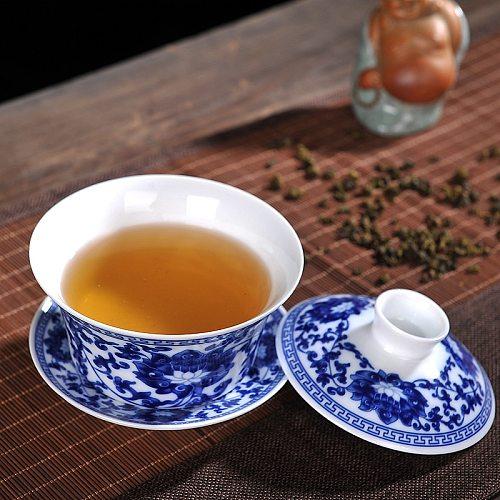 230/330ml Jingdezhen Ceramics Blue and White Tea Bowl Sancai Large Gaiwan Tea Set Eight Treasure Tea Bowl Household Cover Bowl