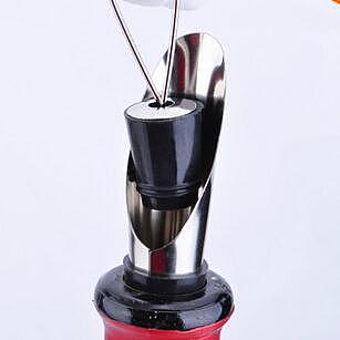 1pcs Stylish Stainless Steel Wine Pourers Wine Funnel Bottle Pourer Dumping Wine Stoppers Plug Bar Tools