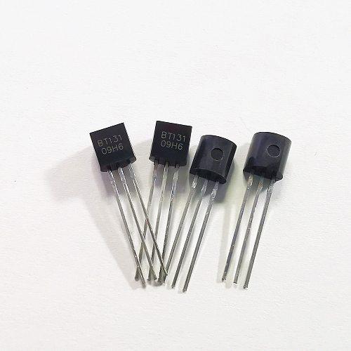 20PCS BT131-800 TO-92 BT131 TO92 131-800 new voltage regulator IC