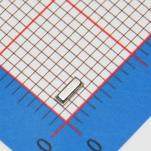 10pcs 8MHz 10pF 3Pin 3213 smd quartz resonator Crystal   oscillator