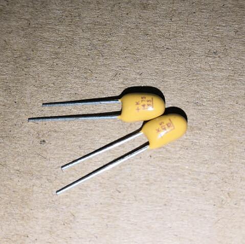 10 PCS 25V 10UF 106 DIP2 tantalum capacitor DIP original 16V 25V 35V ( 0.33UF 0.47UF 1UF 2.2UF 4.7UF 22UF 100UF