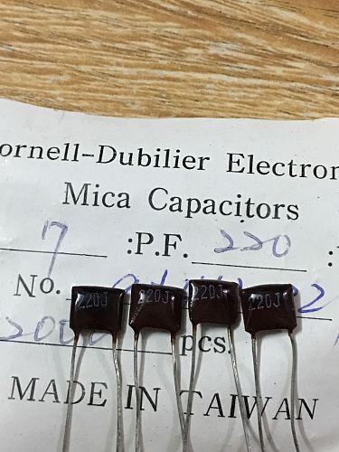 20PCS/50PCS United States CDM Silver Mica Capacitance 500v220PF 500V 220P 221 Mica FREE SHIPPING