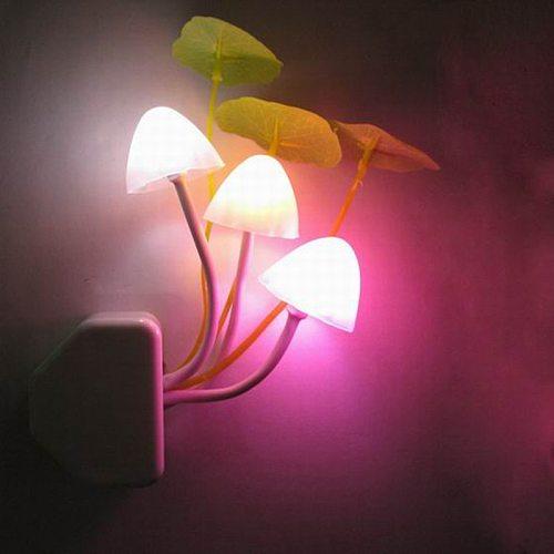Novelty Creative Night Light EU / US Plug Light Sensor 3 LED Colorful Mushroom Lamp AC110V 220V Night Lights for Baby Bulbs AC