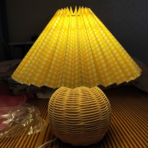 Vintage Rattan Lamp Table Korean Table Lamps for Bedroom Lamp Living Room Light Home Deco Creative Pleats Lamp with Led Bulb E27