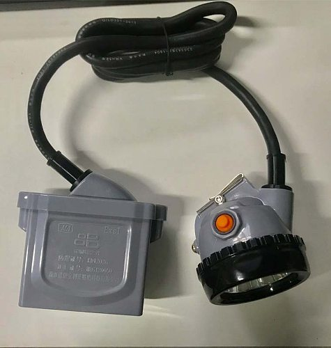 Headlamp Head Light Lantern Waterproof Camping Forehead Lamp Flashlight Accumulator Battery  LED Headlight  Head Torch Far led