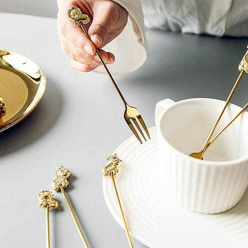 2020 New Teaspoon Animal Fruit Fork Long Handle Coffee Spoon Stirring Mixing Spoon Cute Coffee Spoon Dessert Spoon Table Decor
