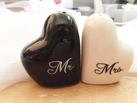 Heart shaped  Mr.&Ms.  salt and pepper shaker wedding gifts for guest free shipping 200pcs=100sets/lot to US CAN